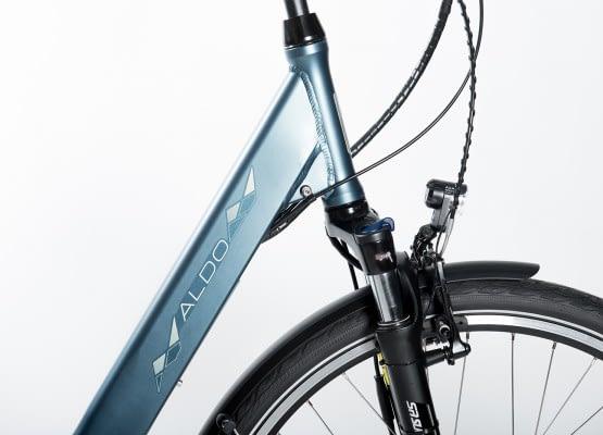 Aldo Lage Instap fiets Elektrisch inch Seven E-Bike 28 inch blauw voorvork