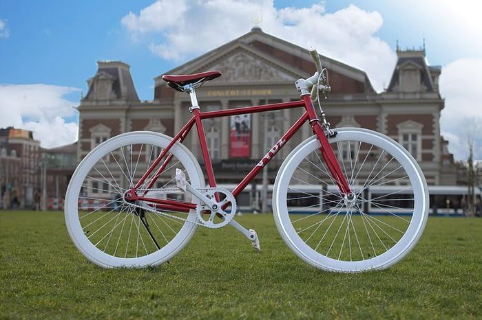 Vydz 'Classy Red' single speed bike
